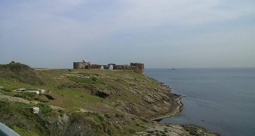 Rumeli Lighthouse Castle (featured)